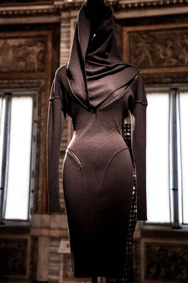 CoutureSculpture Azzedine Alaïa in the History of Fashion  (10)