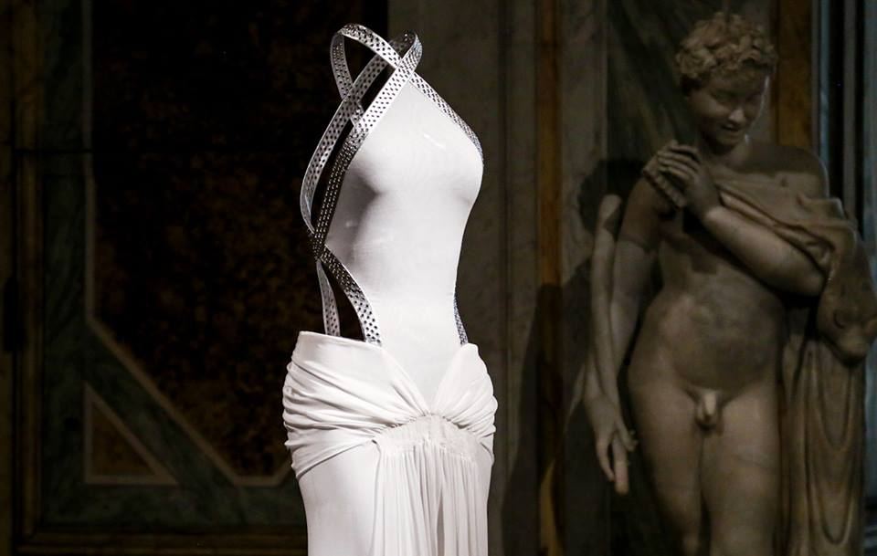 CoutureSculpture Azzedine Alaïa in the History of Fashion  (17)