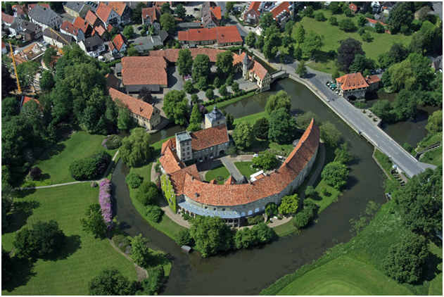 Burg Bentheim and its moat from the air.