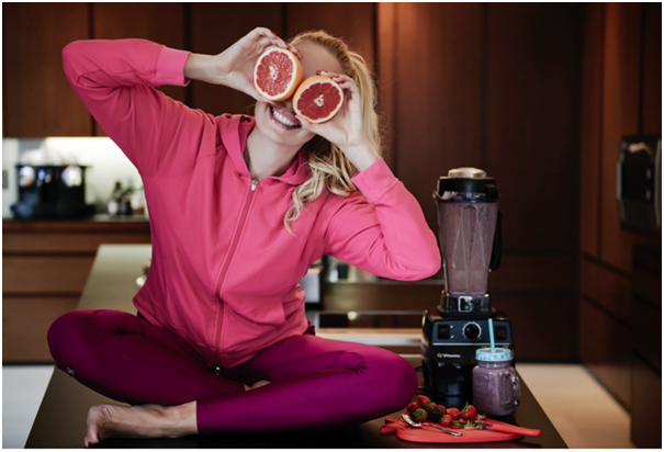 Elna-Margret indulges her sense of humour as well as her love for fitness and healthy food.
