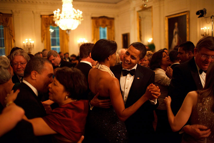 michelle-barack-obama-love-photos-15-587ce813d328b__880