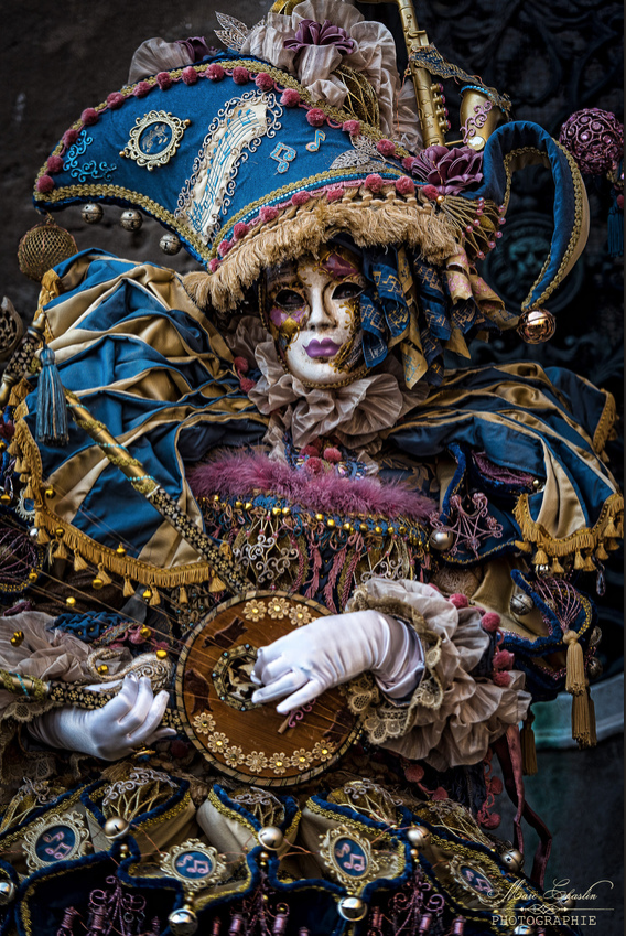 venice-carnival-costumes-2017-by-marc-chaslin-photographie11